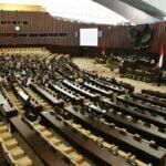 Beda dengan Parpol Pro-Jokowi Lain, NasDem Tetap Ingin Pilkada 2022